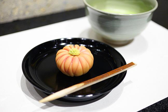 上生菓子とお抹茶