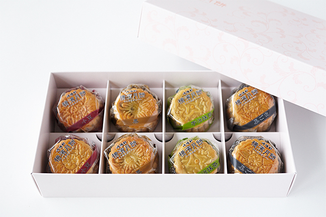 横濱月餅(8個入り)1,130円(税込)